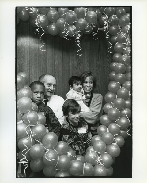 Mary Tyler Moore and Richard Golinko at Mt  Sinai Hospital, 1983
