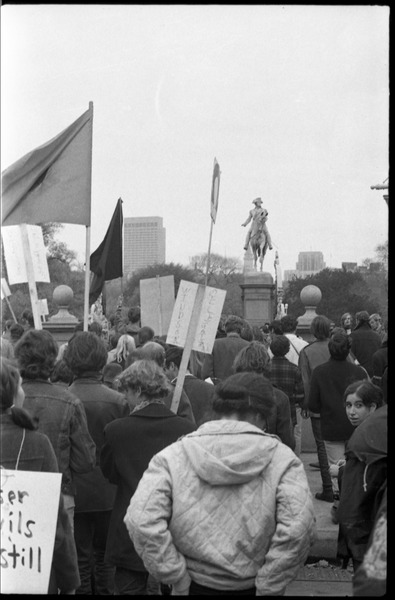 Vote With your Feet anti-Vietnam War protest march: protestors gathering by the Boston Public Gardens: , November 9, 1968