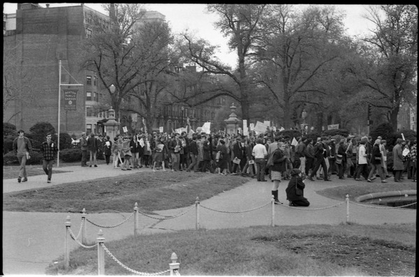Vote With your Feet anti-Vietnam War protest march: protestors walking into the Boston Public Garden: , November 9, 1968
