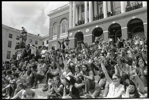 Demonstration at State House against the killings at Kent State: crowd on State            House steps, ca. May 5, 1970