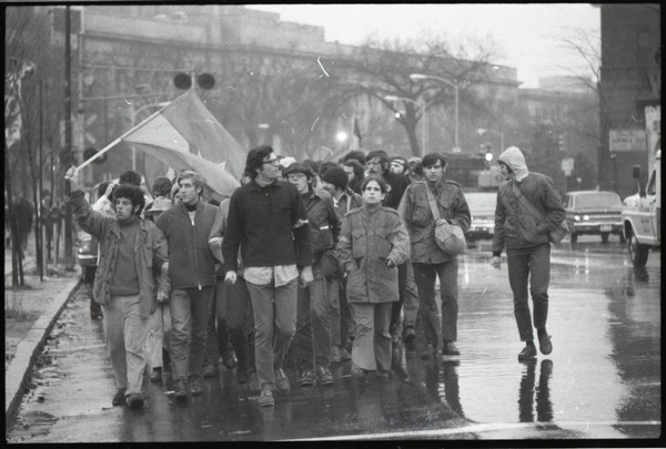MIT I-Lab demonstration: protesters in front of Building 10, February 1970