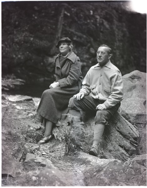 Thomas and Blanche Dreier, seated on a rock, ca. September 1936
