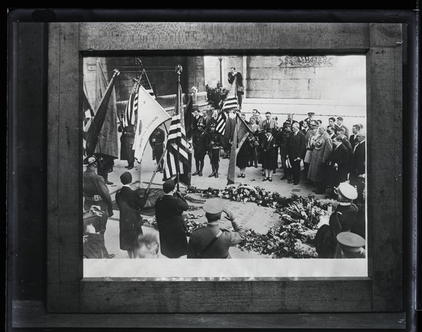Tomb of the Unknown Soldier: Ceremony with American veterans visiting the tomb beneath the Arc de Triomphe: , ca. September 19, 1927